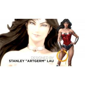 DC Comics Cover Girls: Wonder Woman Statue