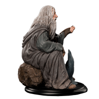 Lord of the Rings Gandalf Statue